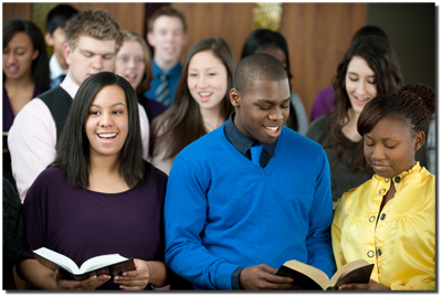 ungdomsgrupp sjunger